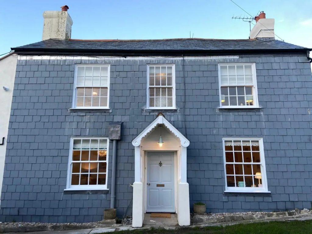 Lyme Regis Cottages for self catering holidays