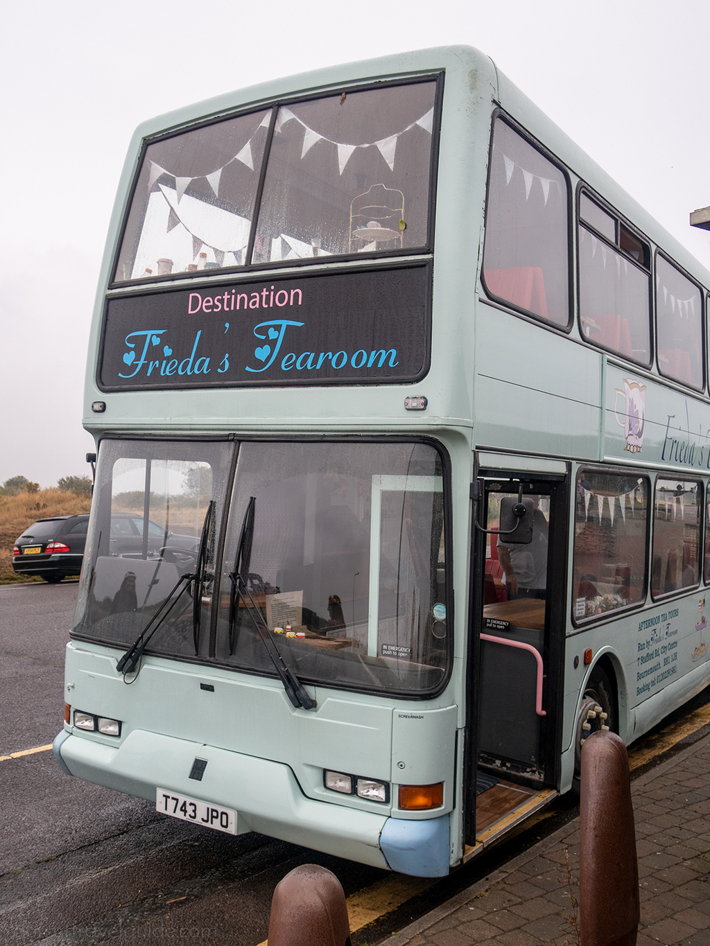 Frieda's TeaBus - Vintage afternoon tea bus Bournemouth